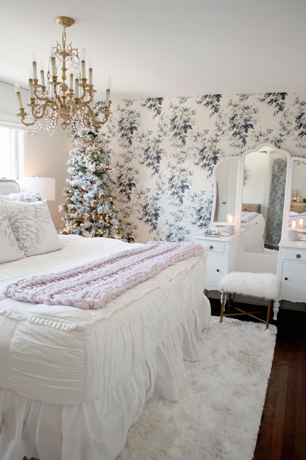 KV Christmas Bedroom