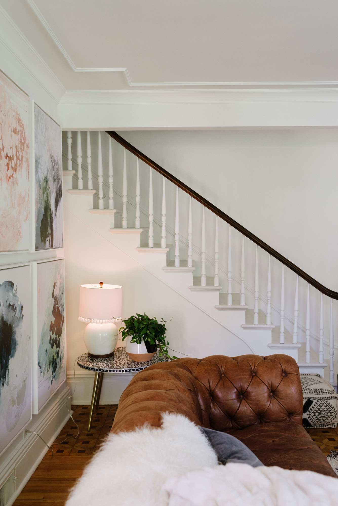 Kindred Vintage Romabio Gallery White